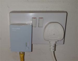 powerline home plug